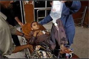pakistan earthquake threaten school chlidren jump from third floor