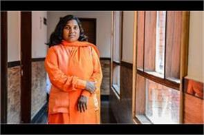savitri bai will not be hurt by dalit harassment