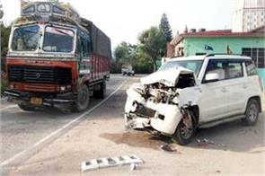 sundernagar road accident 5 wounded