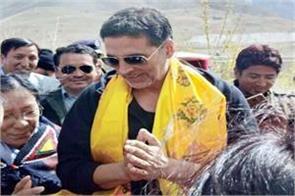 bollywood star akshay kumar to shoot in asia s tallest village
