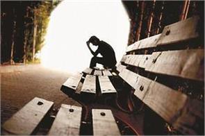 increasing the feeling of suicide among american teenagers is worrying