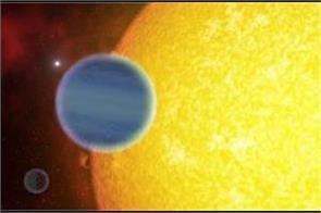 multiple metals and possible signs of water found in unique exoplanet