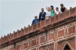 indian ambassador nikki haley arrives visit to humayun s tomb