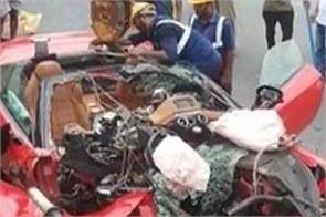 ferrari car crashes in road accident