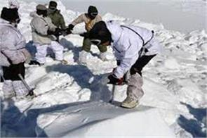 jawan s body recover from snow in kashmir