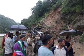 rain and landslide in uttarakhand hill areas