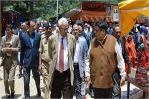 governor visit amarnath yatris camp for review