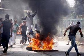 clashes in south kashmir 3 killed