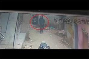 belgaum badmash 80 lakhs of gold theft in varanasi captured in cctv