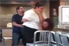 mcdonalds worker customer get into vicious brawl over soda