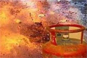gas cylinder cracked at varanasi fair three injured
