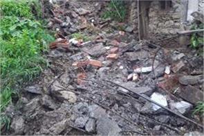 4 people injured after cloudburst near karnprayag