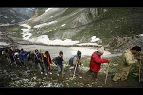 new batch of amarnath yatris leave for kashmir