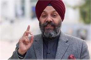 the akali leader again attacked in california leaving the turban