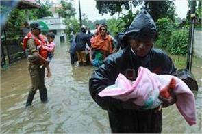 kerala flood uae ahmed albnah pinarai vijayan