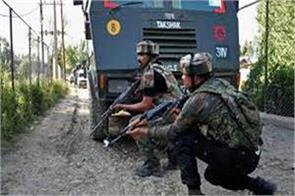 militant attack on crpf in anantnag 2 injured