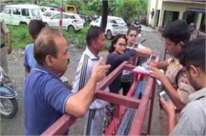 police action in haldwani against non helmet riders