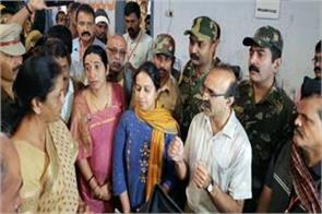 kerala defense minister sitharaman visits flood affected area