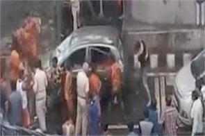 group of kanwariyas vandalise a car in delhi moti nagar