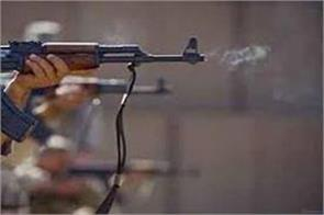 militants shoot a youth in kashmir pulwama