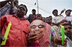 dmk to reach karunanidhi on burial of marina beach