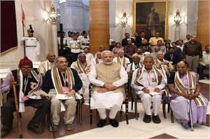 pm remembers the contribution of freedom fighters towards the country
