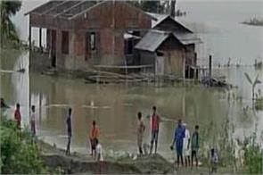 number of people killed in floods in eight districts of assam