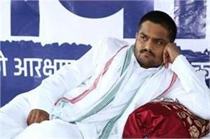 gujarat government efforts to convince hardik sitting on hunger strike