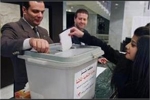 syrians in government areas vote in first local polls since 2011