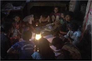 a village in jharkhand where people still read in the light of the lanterns