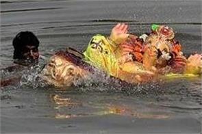 11 people drown during ganesh statue immersion