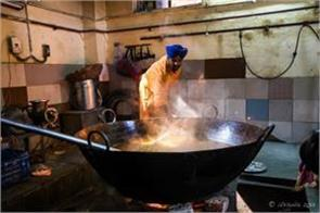 langar will be made from biogas in the gurudwaras of delhi