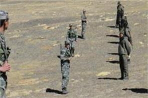 chinese soldiers kneeling up to 4 km in indian border