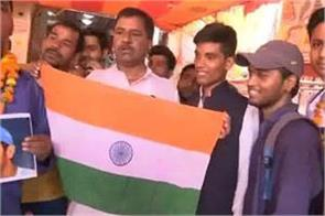 people worship in patna for victory of india