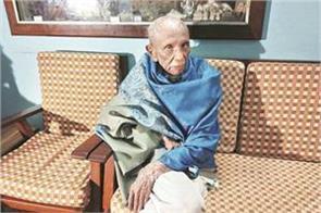 92 year old retired judge granted against aadhaar in sc
