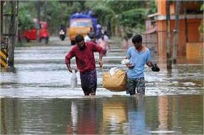 kerala flood pinarai vijayan river