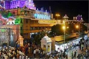 long queues of pilgrims on janmashtami in the city of kanha