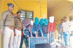 allahabad 7 accused arrested unidentified gang robbery from factory
