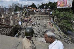 metro construction work closed near majerhat bridge