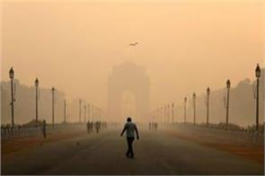 delhi s air started to stifle air quality reached in very poor category