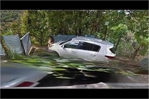 google street map spots nude couple on car bonnet in taiwan