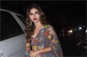 mouni roy looks gorgeous in her latest pictures