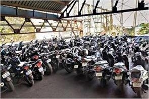 two wheeler exports up four percent at 17 93 lakh units in first half