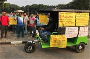 e rickshaw drivers strike continues on day 11