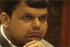 cm fadnavis difficulties ahead of election