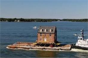 historic brick mansion built in 1760 is moved 50 miles on a boat