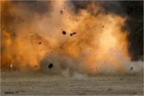 explosion near kandahar airport in afghanistan one soldier injured