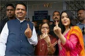 maharashtra veteran celebrities lead in voting