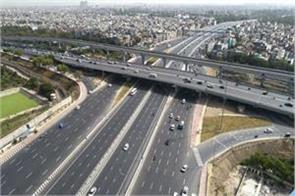 vehicles will soon be filled at a speed on the delhi meerut expressway