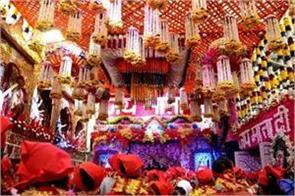 vaishno devi temple decorated with flowers from the mandi of ghazipur